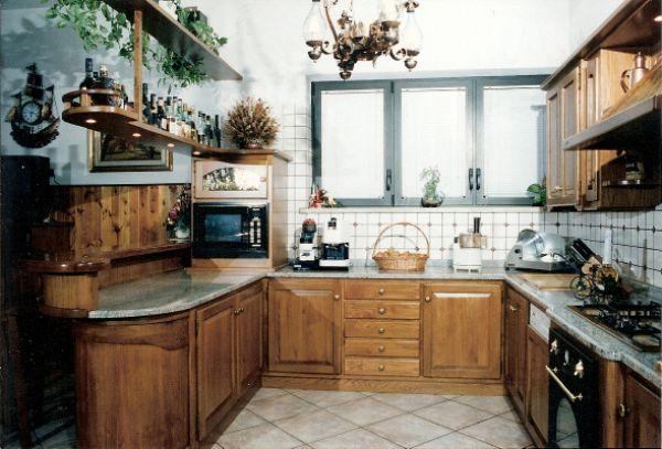 Cristofoli Arredamenti e Scale  Cucine  Cucina con banco bar