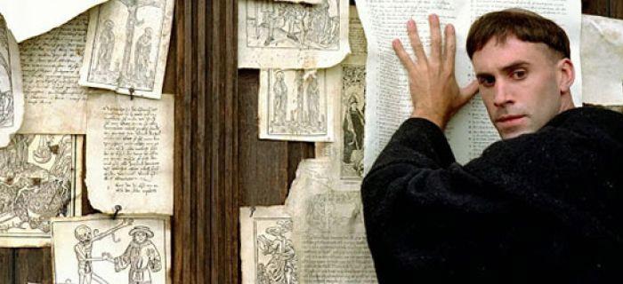 3 puntos en los que Martin Lutero contradijo a la iglesia catolica