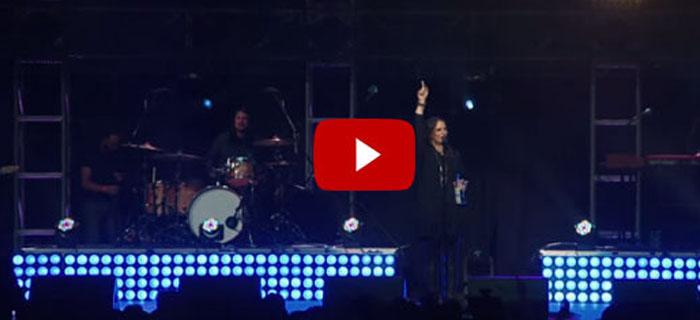 Christine D'Clario  «En el trono está» (Vídeo En Vivo)