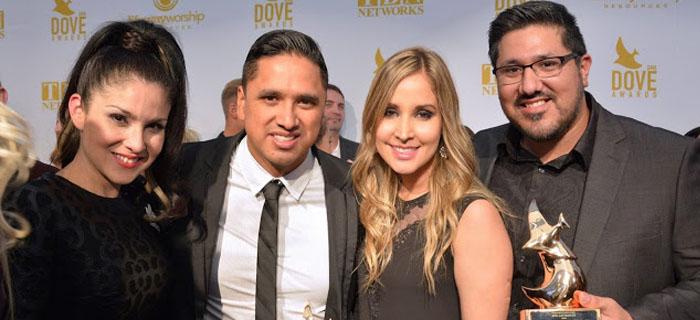 Miel San Marcos recibe su primer premio Dove Award por «Como En El Cielo»