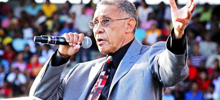 Pastor Ezequiel Molina Rosario: Los apóstoles son máquinas de hacer dinero