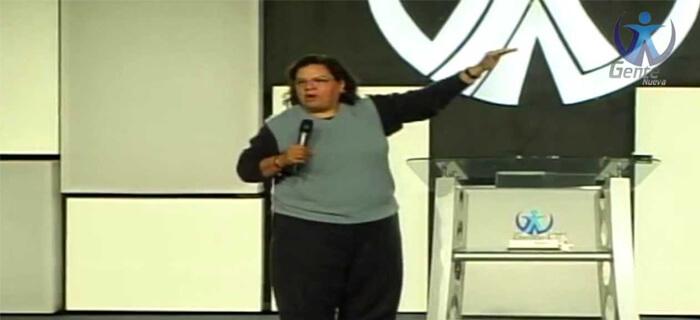 Evangelista mexicana testifica como Dios la libró de la homosexualidad