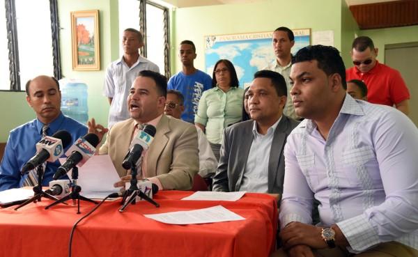 La Federación de Pastores de la Región del Cibao exige la expulsión inmediata del embajador de los EE.UU. en República Dominicana James Brewster (Fotos: Wilson Aracena)