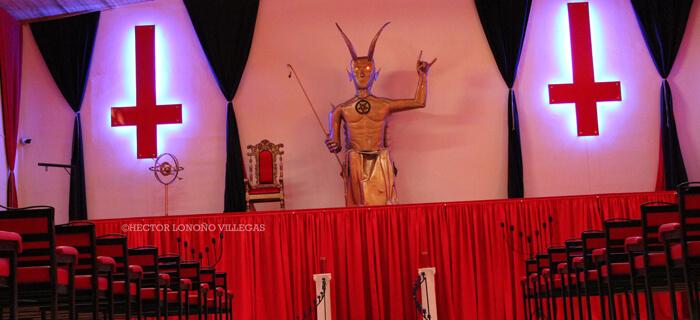 Iglesia se une en oración tras apertura de templo satánico
