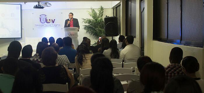 """Daury Nova presenta el libro """"El Dios de la Ciudad"""" + Fotos"""