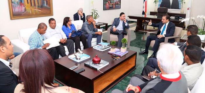 Alcalde se reúne con Asociación de Pastores Evangélicos de Santiago