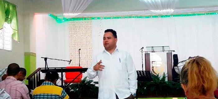 Federación de pastores critican agresión a predicador en parque Santiago