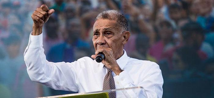 """Ezequiel Molina Rosario predica bajo el tema """"modelo falso"""" en la Concentración Evangélica Nacional"""