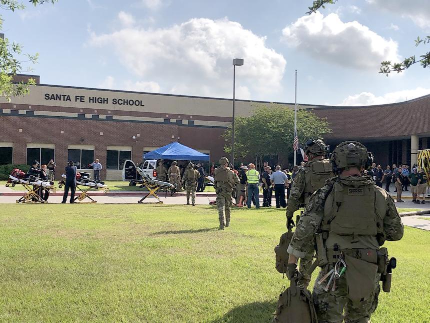 El sospechoso fue identificado como Dimitrios Pagourtzis, de 17 años, dijeron autoridades a Univision Houston.