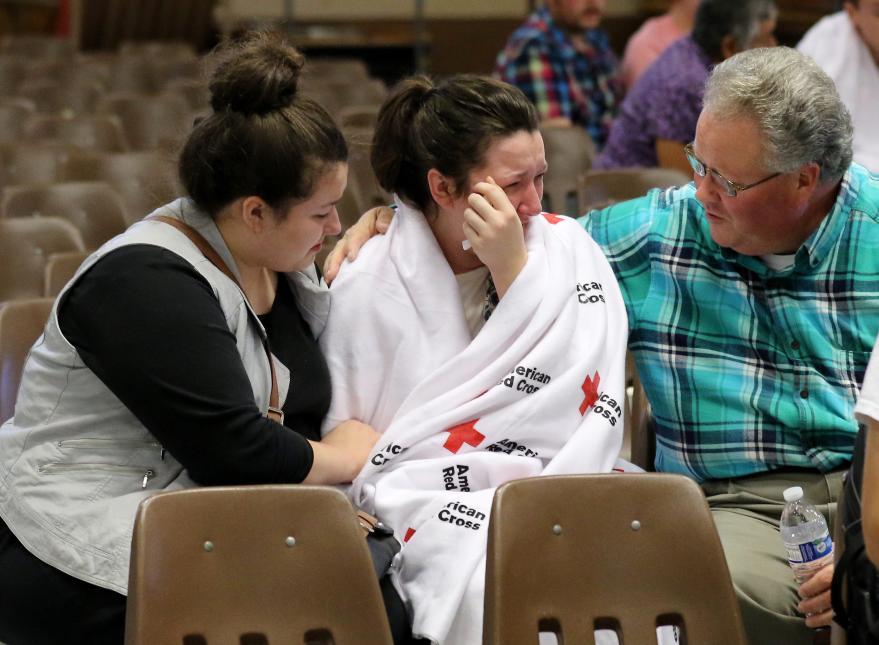 2015. Universidad comunitaria en Roseburg, Oregon. Chris Harper-Mercer, un estudiante de 26 años de la universidad comunitaria Umpqua, asesinó con dos pistolas a un profesor y ocho alumnos en un salón de clases y se suicidó. En la fotografía, Hannah Miles, una estudiante sobreviviente del ataque. 1 de octubre de 2015.