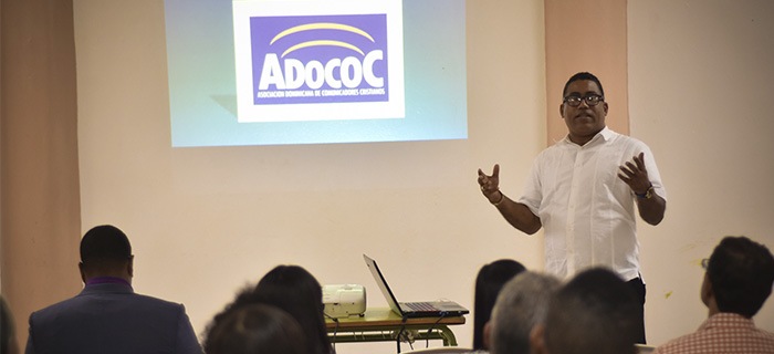 ADOCOC llegó a Salcedo con la Conferencia Comunicación y Redes Sociales