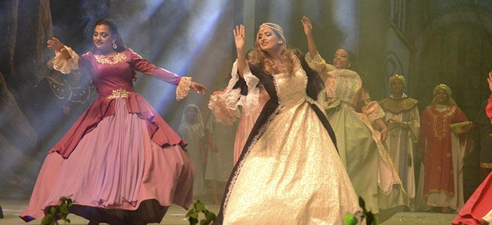Ester una Historia de amor abarrota el Gran Teatro del Cibao