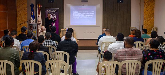 Fotos: Conferencia Proyección Artística y Ministerial