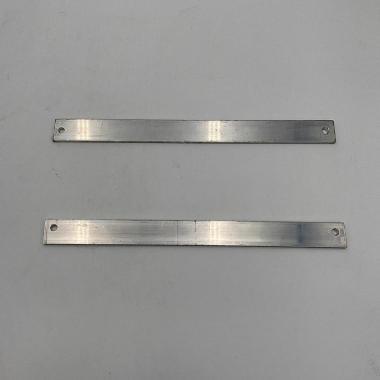 Steffe alluminio spessore 5 mm per montaggio targa su cancello