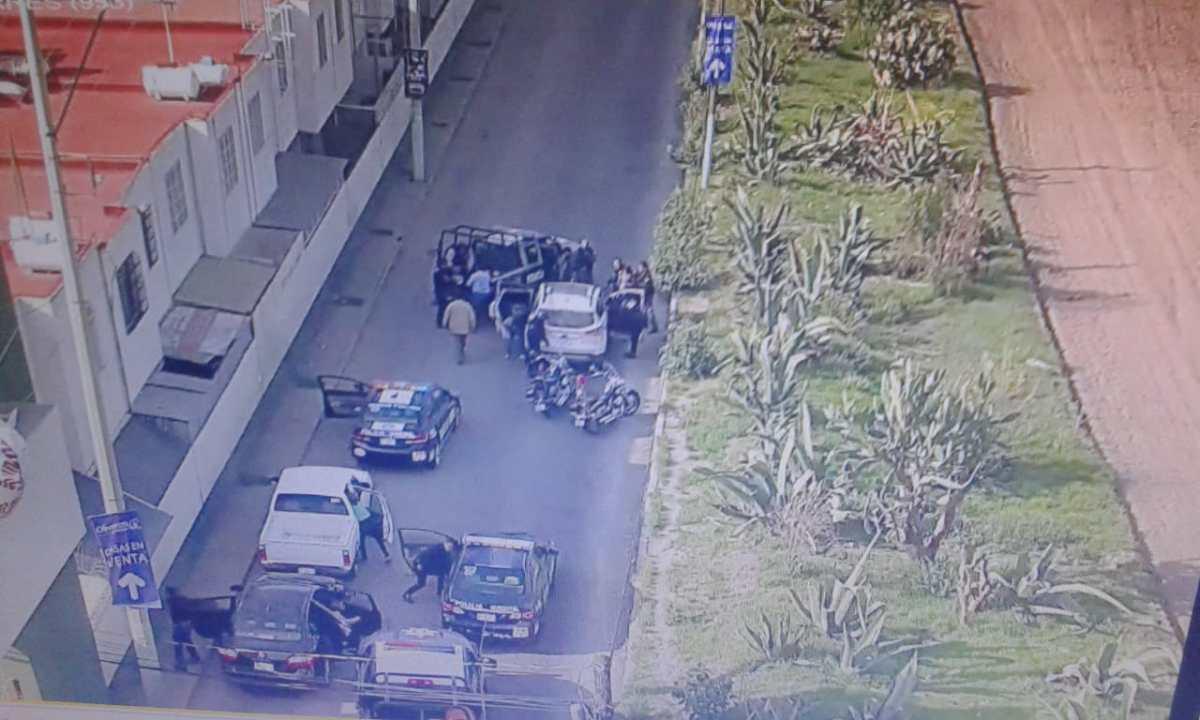 Capturan a dos sujetos por hacer detonaciones con arma de fuego en Pachuca