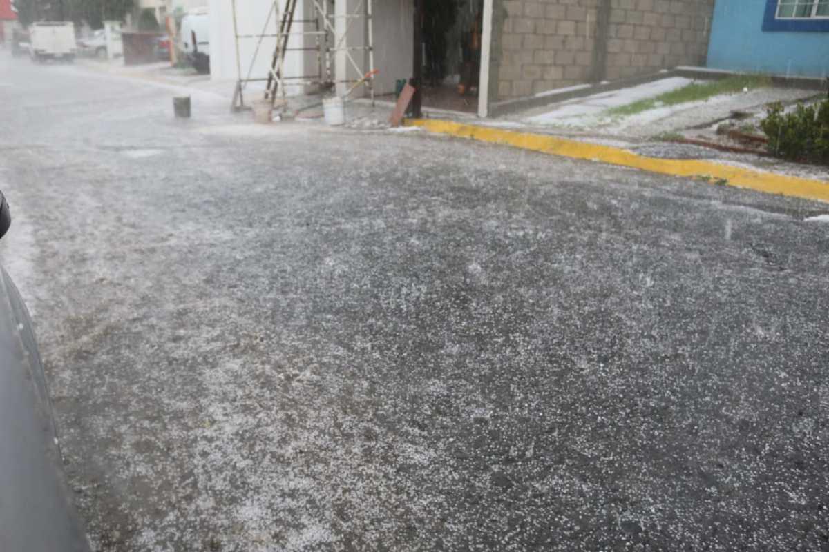 Lluvia y granizo sobre Pachuca