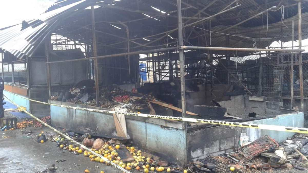 Se registró incendio en el mercado municipal de Zimapán