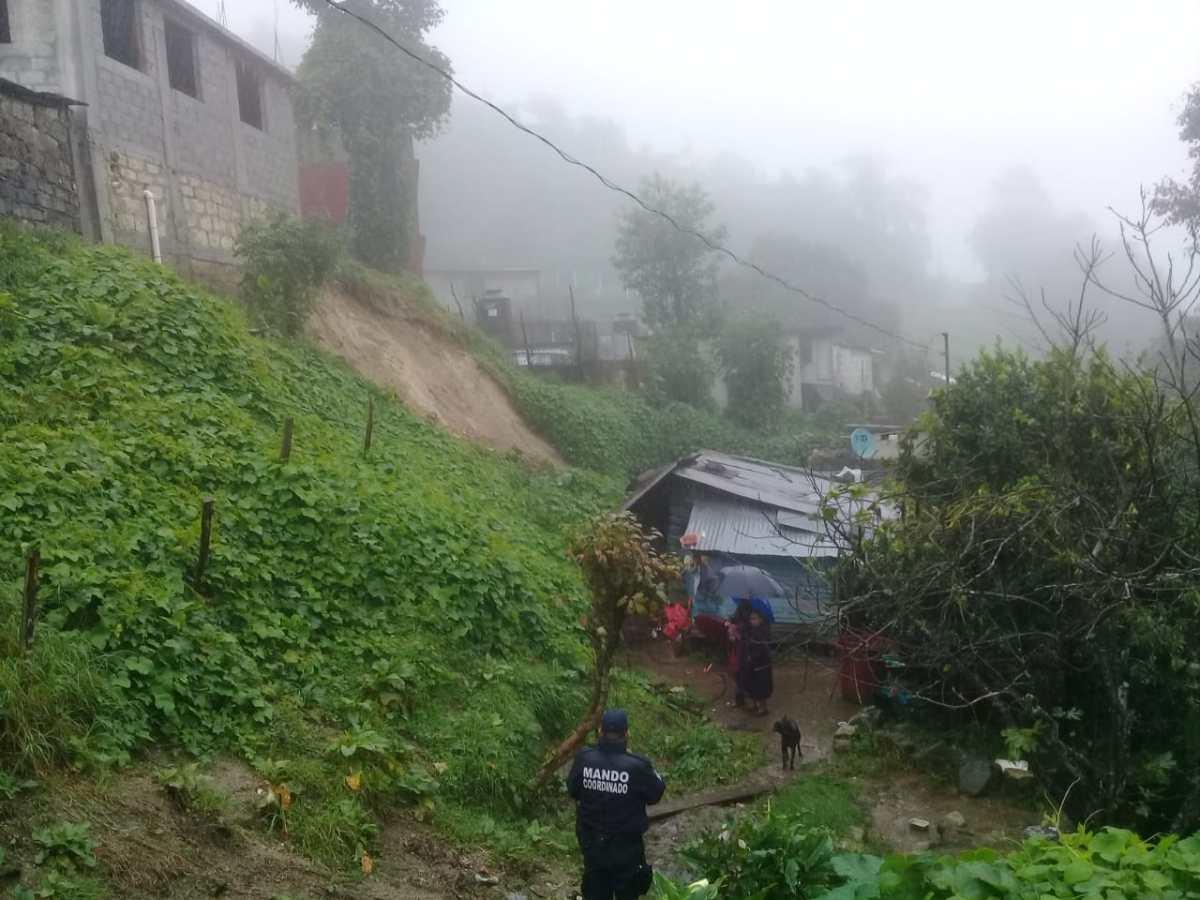 Deja deslave dos lesionados en Zacualtipán