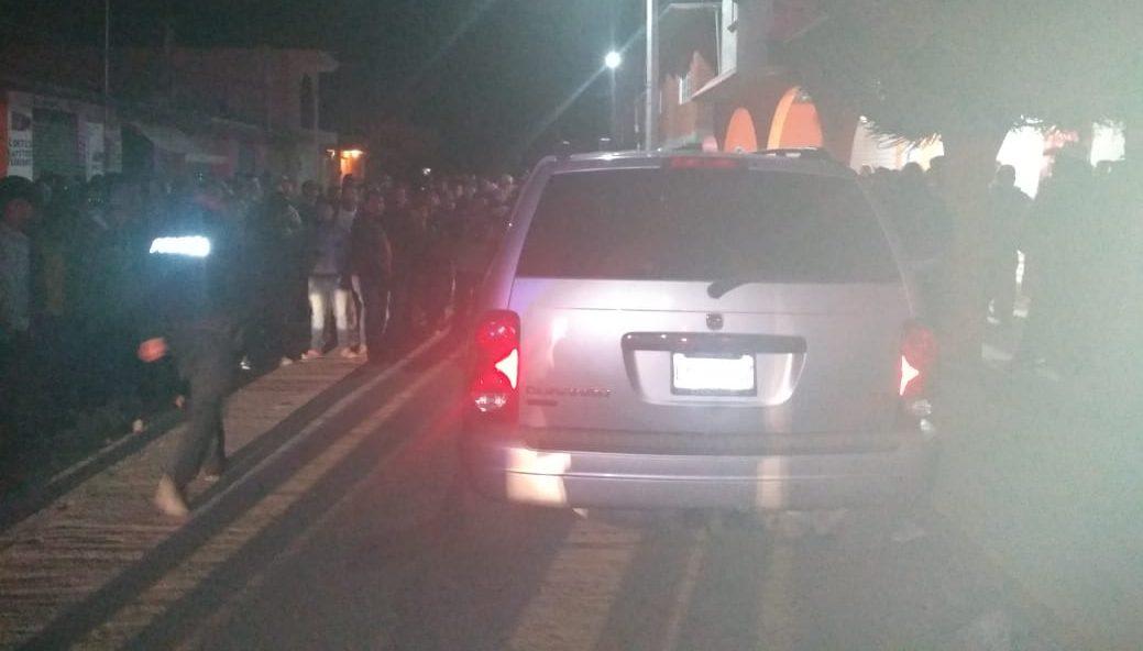 Localizan dos cuerpos baleados dentro de camioneta en Tula
