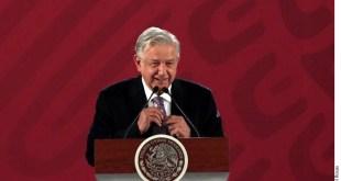 Regresa López Obrador $22 mil de su salario