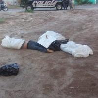Localizan 3 cuerpos encostalados en Ixmiquilpan