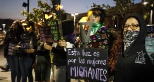 organizaciones feministas marcharon ayer por calles de Pachuca