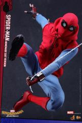 Hot Toys Spidey (2)