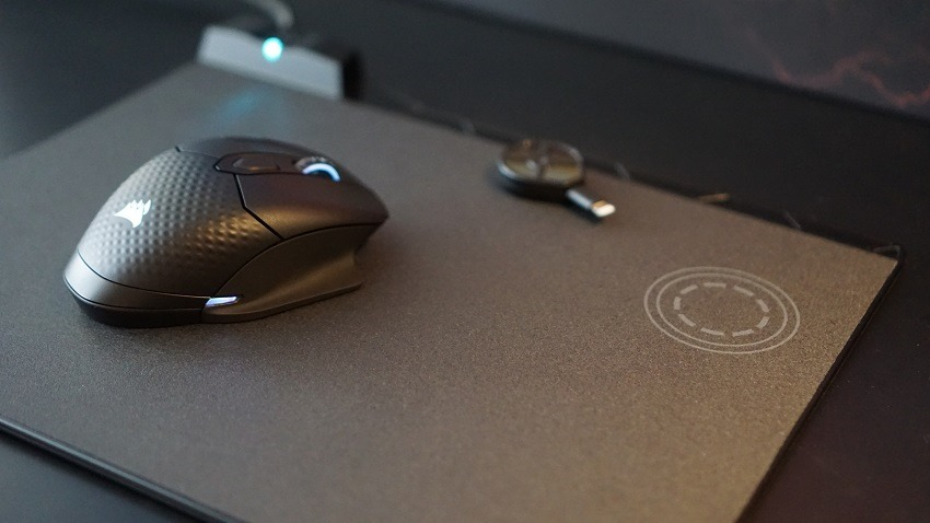 Corsair concept zeus will wirelessly charge your mouse 2
