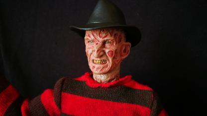 Sideshow Freddy (1)