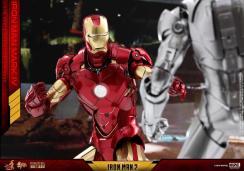 Hot Toys Iron Man Mark 4 (10)