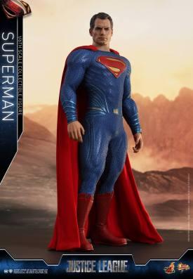 Hot Toys JL Superman (6)