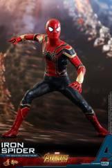 Hot Toys Iron Spider (21)