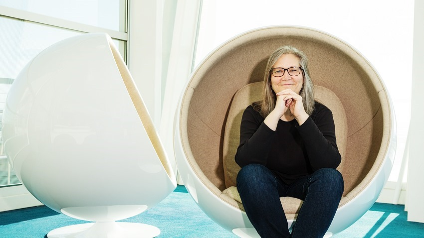 Amy Hennig has officially left EA 2