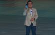 Dj Ken shows the Samsung Galaxy Note 8