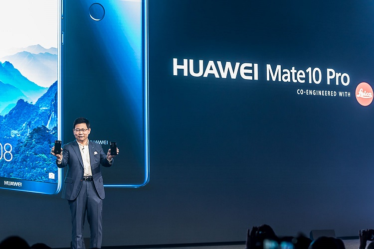 Mr. Richard Yu, CEO, Huawei Consumer Business Group unveiling HUAWEI Mate 10 at Launch Event in Munich, Germany