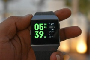 Fibit Ionic smartwatch - Featured image