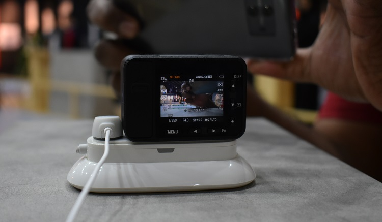 Sony RXo - with screen