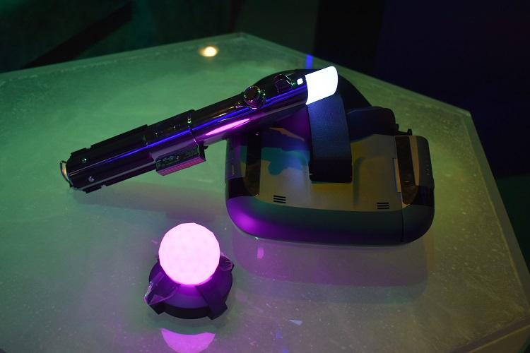 Lenovo Star Wars Jedi Challenges AR Lightsaber Controller /& Beacon