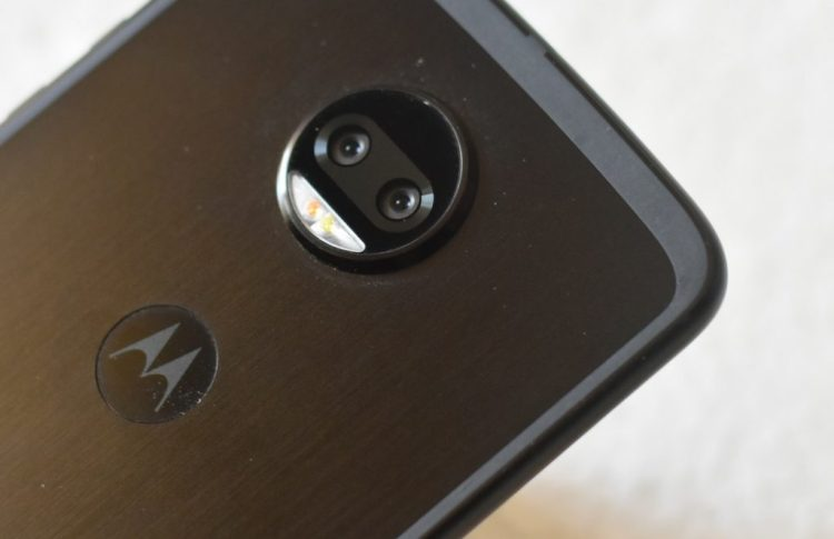 Moto Z2 force - Dual Camera with Dual LED