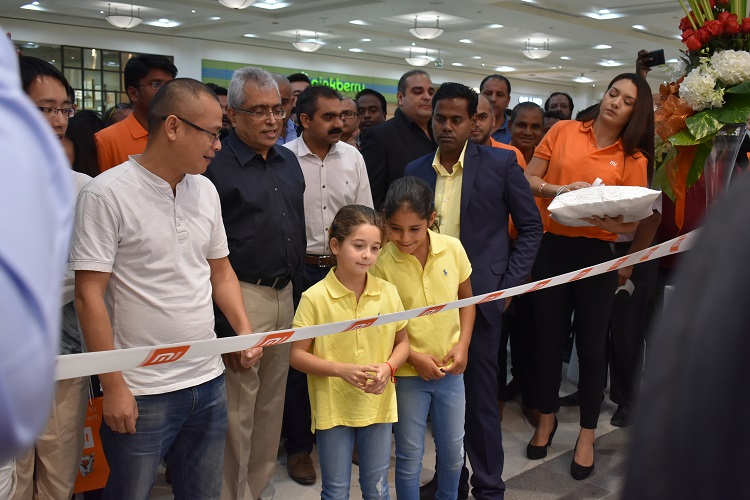 Xiaomi opens it's second brand store in City Center Deira in Dubai UAE & official release of Mi Mix 2 for AED 1899