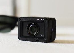 Sony-Cyber-shot-DSC-RX0--Profile