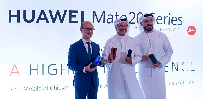 Gene Jiao and H.E Saeed Hareb launched the Huawei Mate 20 series Smartphones