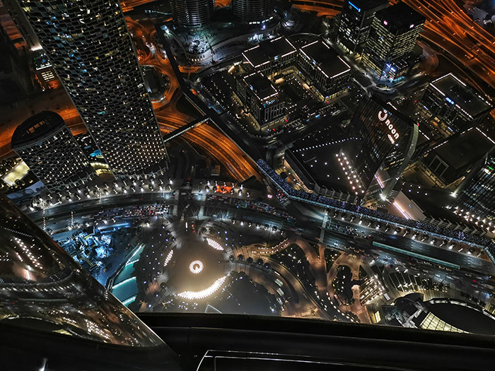 HONOR_View20-Sample-Image_clicked_from_Burj_Khalifa-122_floor