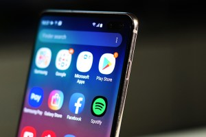 Samsung_Galaxy_S10Plus-Power_buttons
