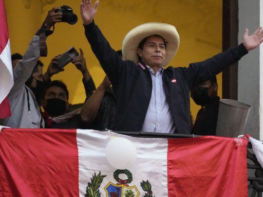 El Jurado Nacional de Elecciones (JNE) proclamó oficialmente este lunes al socialista Pedro Castillo como presidente electo de Perú