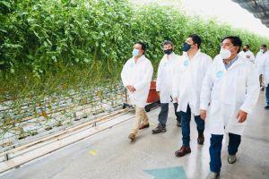 Gallardo Cardona visitó el Centro de Producción Santa Rita para conocer a grandes rasgos sus procesos de producción.