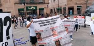 En la mañana de este sábado un grupo de personas encabezado por los familiares de Jorge, Israel, Kalet y Alan; marcharon por el centro de SLP