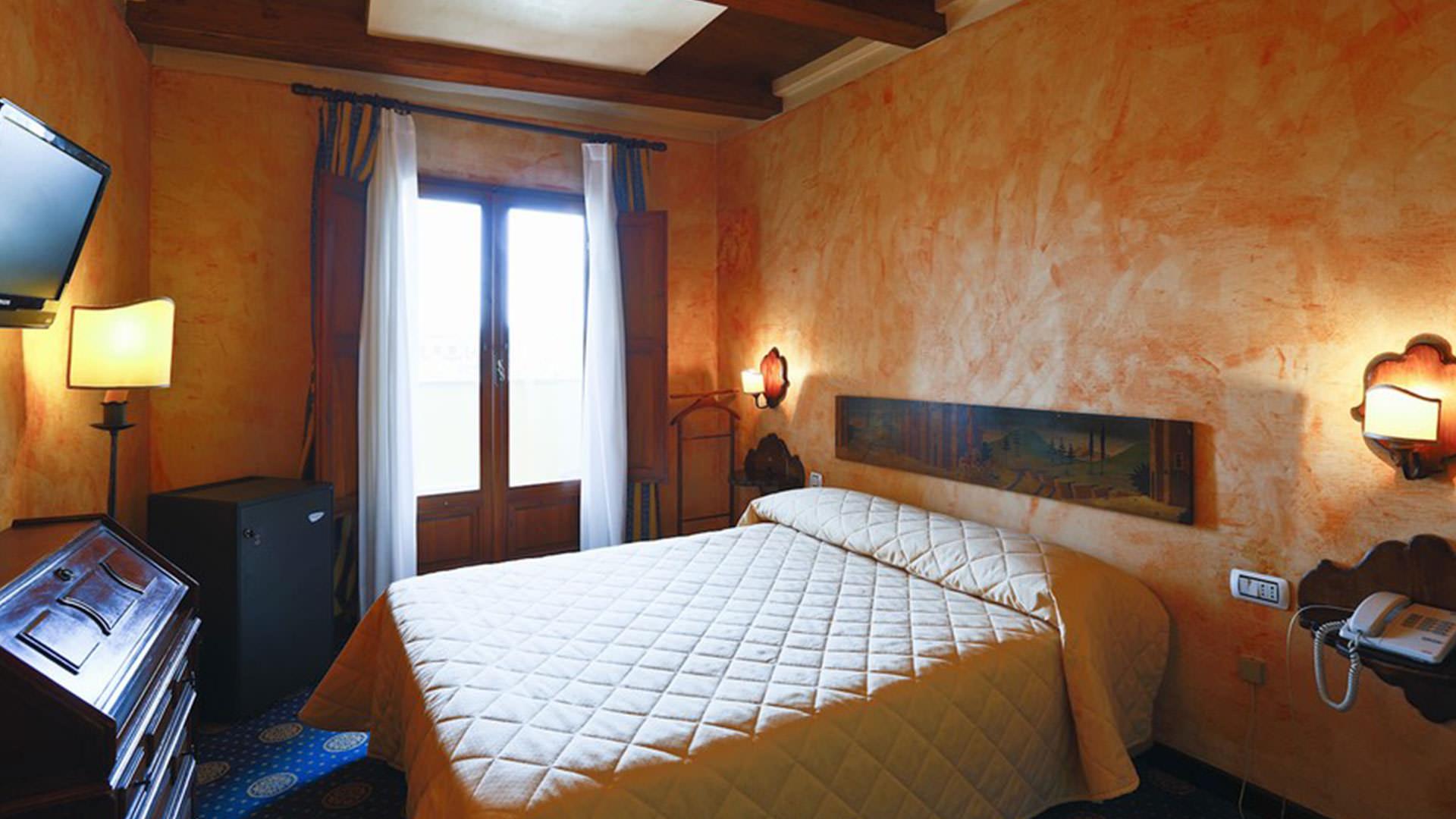 Florence Hotel Hotel Croce Di Malta Official Site