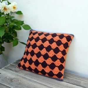 crochet-pillow