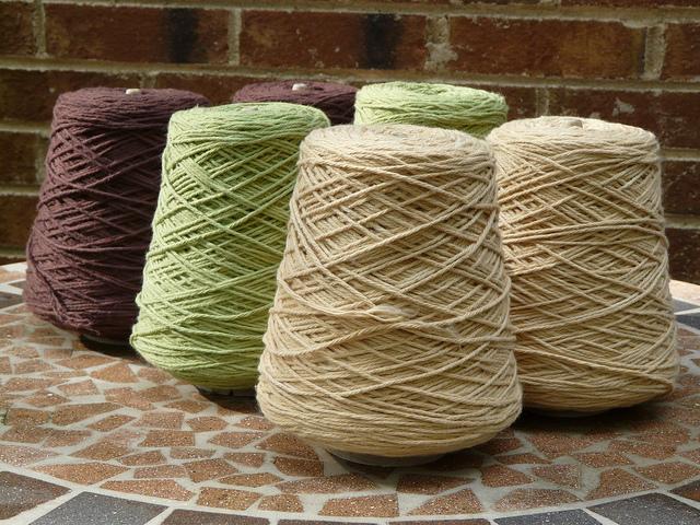 crochetbug, worsted weight yarn, cotton yarn, yarn scraps, yarn stash